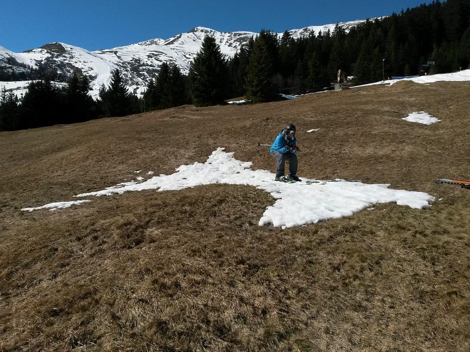 skiers-369698_960_720